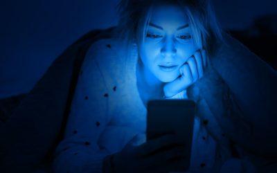 Luce blu: cos'è e come proteggersi?